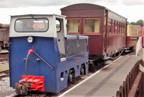 GVLR | Home - a 2ft Narrow Gauge Railway in Derbyshire